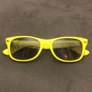 Yellow RayBan New Wayfarer